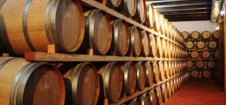 Weingüter Matsu Barrel Room